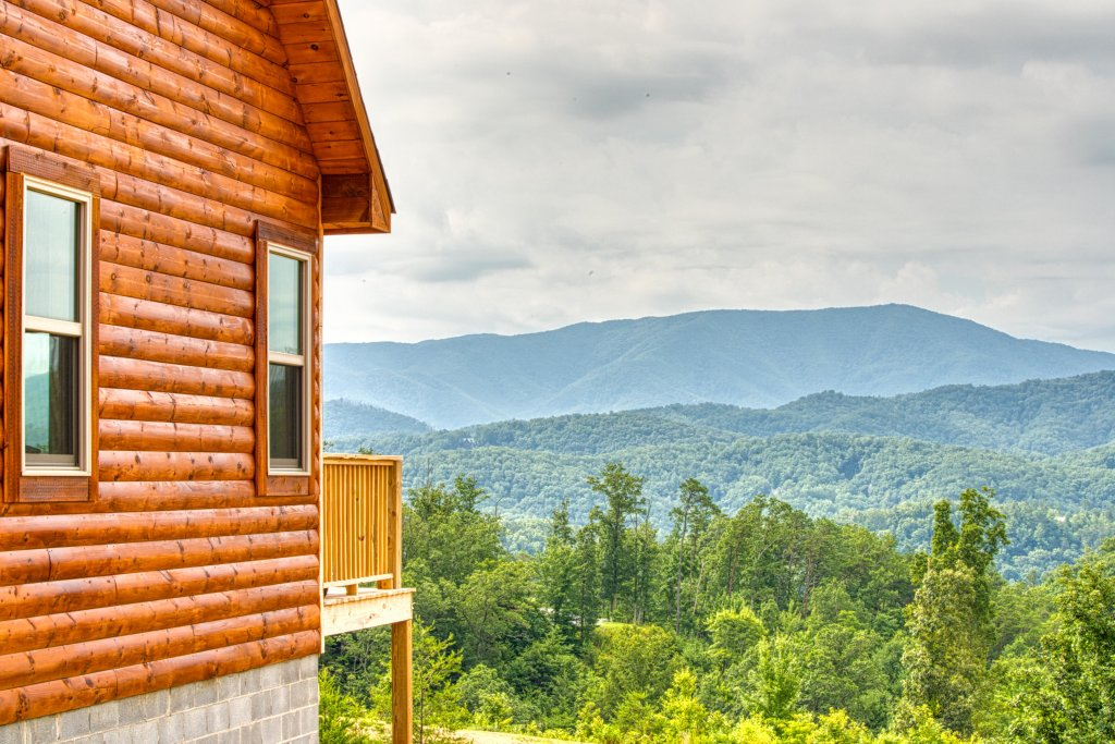 Photo of a Sevierville Cabin named Bearadise - This is the fourth photo in the set.
