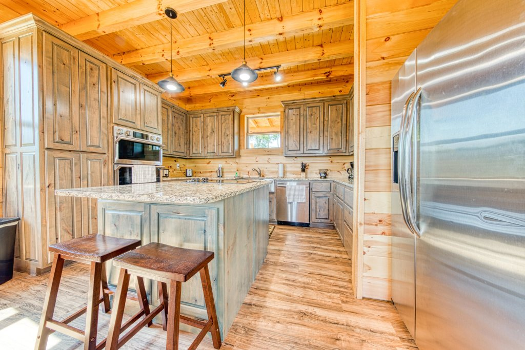 Photo of a Sevierville Cabin named Bearadise - This is the sixteenth photo in the set.