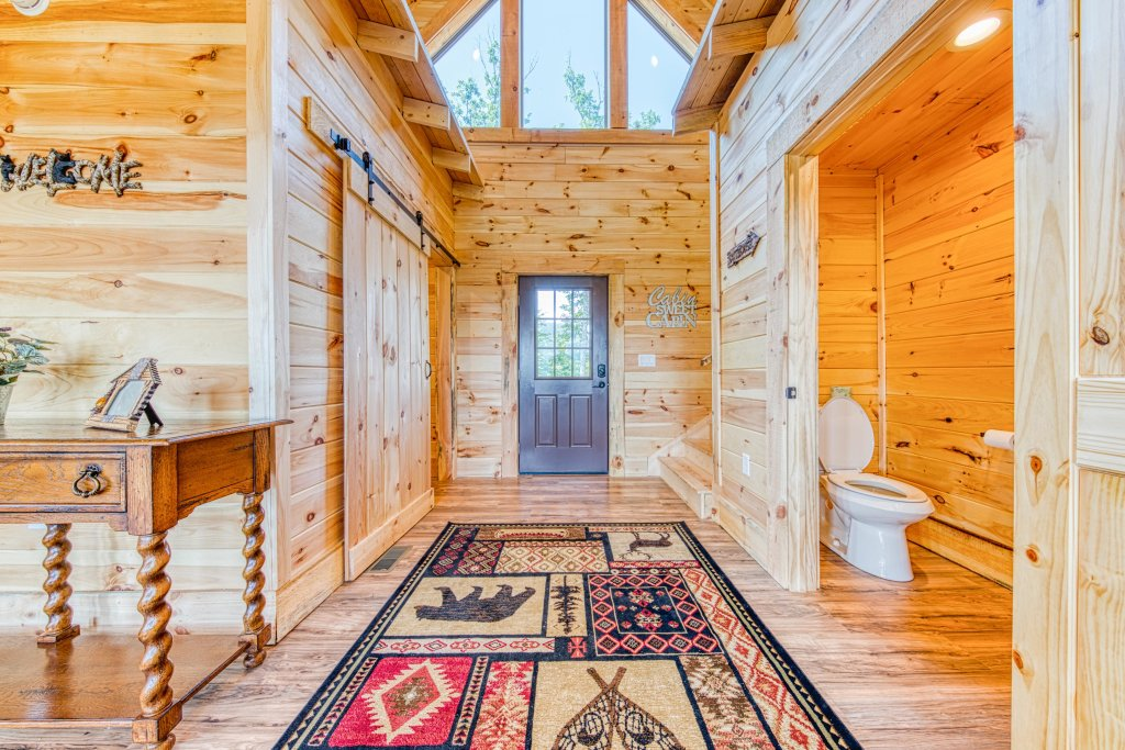 Photo of a Sevierville Cabin named Bearadise - This is the tenth photo in the set.