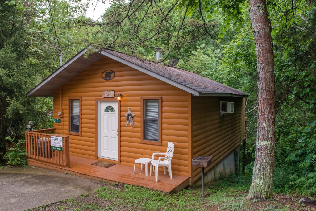 Photo of a Pigeon Forge Cabin named Bear Hugs Cabin - This is the twenty-second photo in the set.