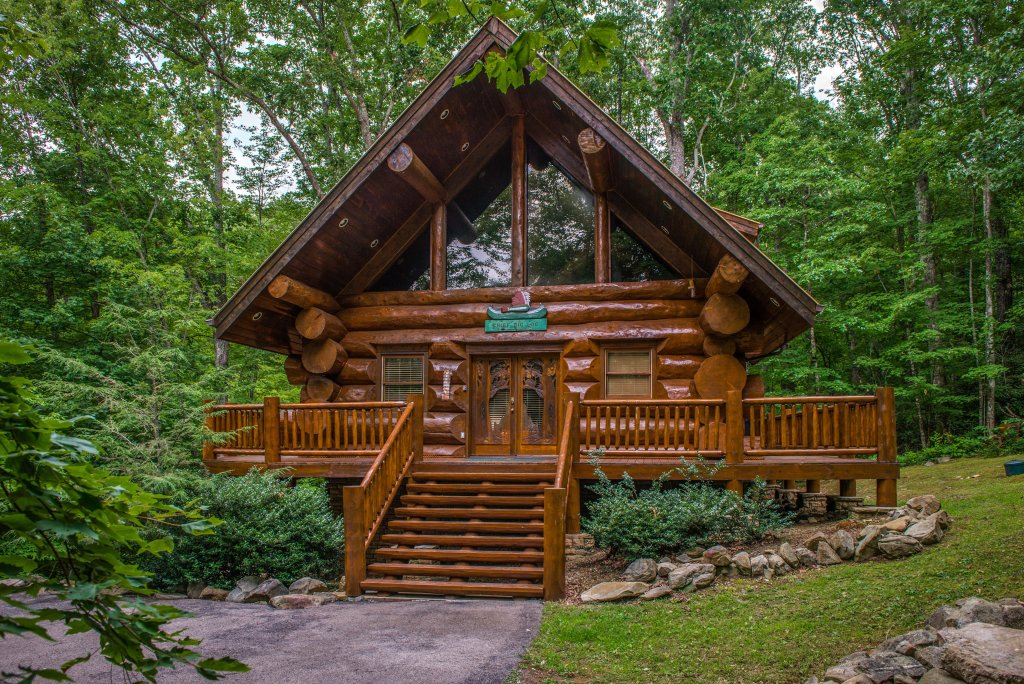 Photo of a Sevierville Cabin named Chief Big Log Cabin - This is the twenty-eighth photo in the set.