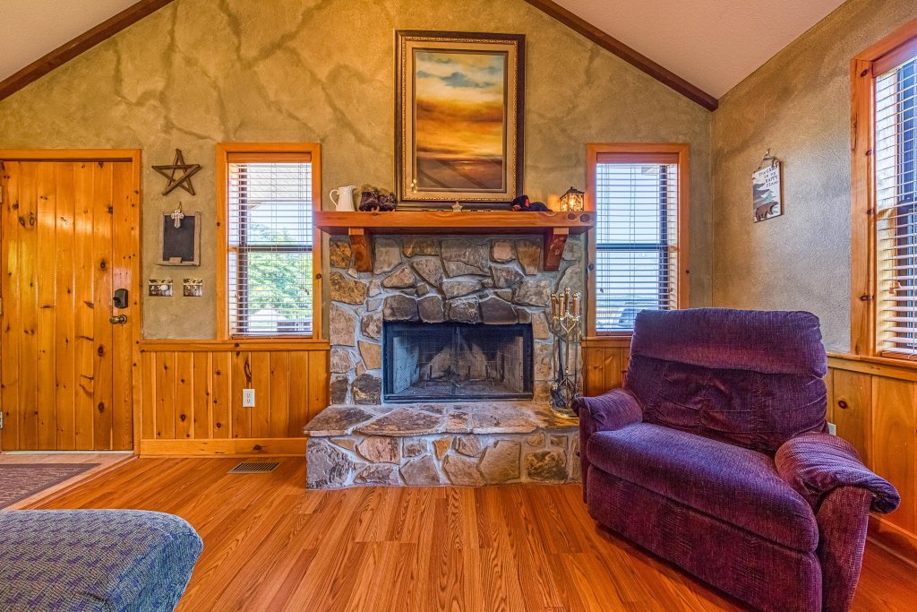 Photo of a Sevierville Cabin named Cove Mountain Retreat Cabin - This is the eighth photo in the set.