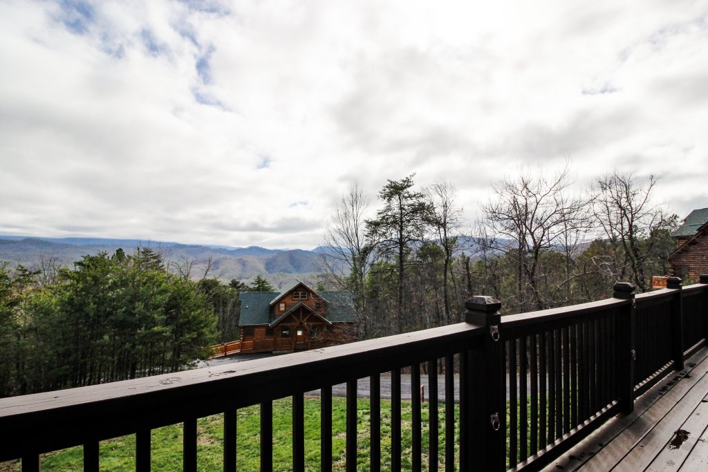 Photo of a Sevierville Cabin named The Laughing Salamander Cabin - This is the twenty-second photo in the set.