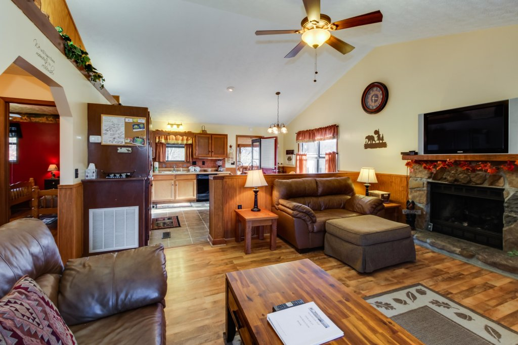 Photo of a Sevierville Cabin named Mountaintop Hideaway Cabin - This is the first photo in the set.