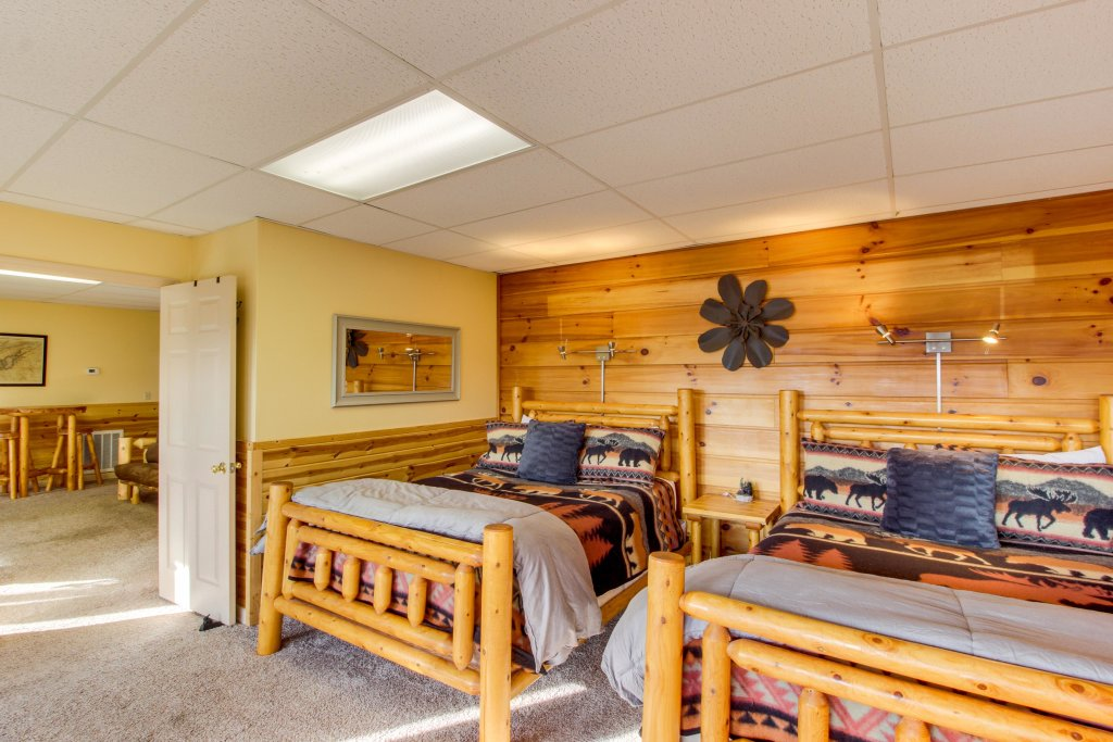 Photo of a Sevierville Cabin named Red Wolf Lodge Cabin - This is the twenty-second photo in the set.