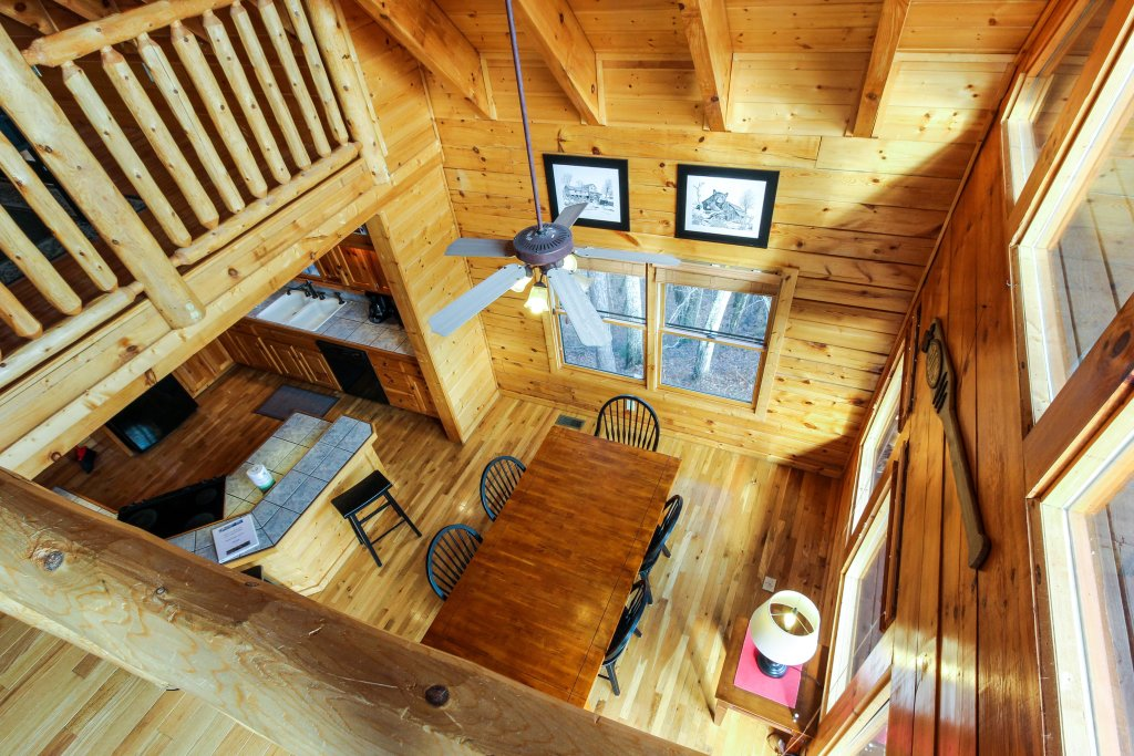 Photo of a Sevierville Cabin named The Laughing Salamander Cabin - This is the tenth photo in the set.