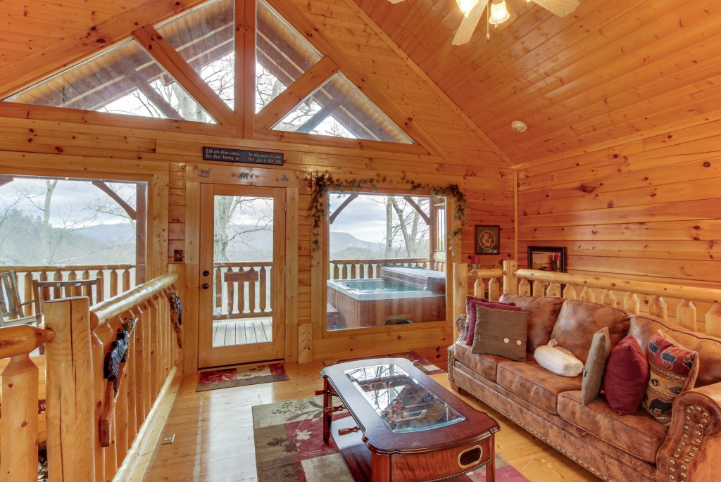 Photo of a Sevierville Cabin named Bearslide Inn Cabin - This is the twelfth photo in the set.