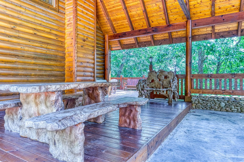 Photo of a Sevierville Cabin named Heaven On A Hill Cabin - This is the twenty-first photo in the set.