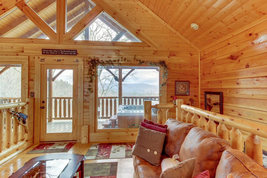 Photo of a Sevierville Cabin named Bearslide Inn Cabin - This is the twenty-fourth photo in the set.