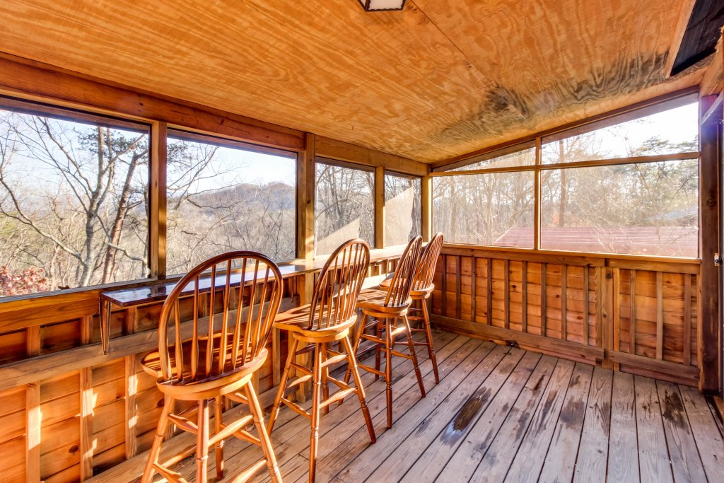 Photo of a Sevierville Cabin named Mountaintop Hideaway Cabin - This is the sixth photo in the set.