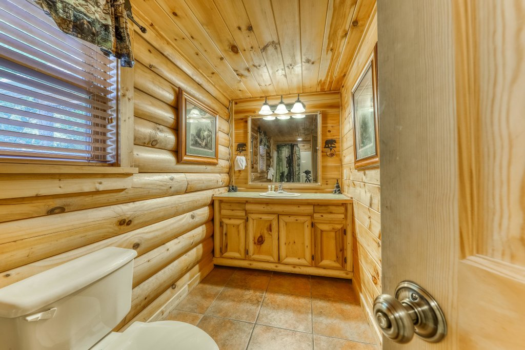 Photo of a Sevierville Cabin named Heaven On A Hill Cabin - This is the forty-second photo in the set.