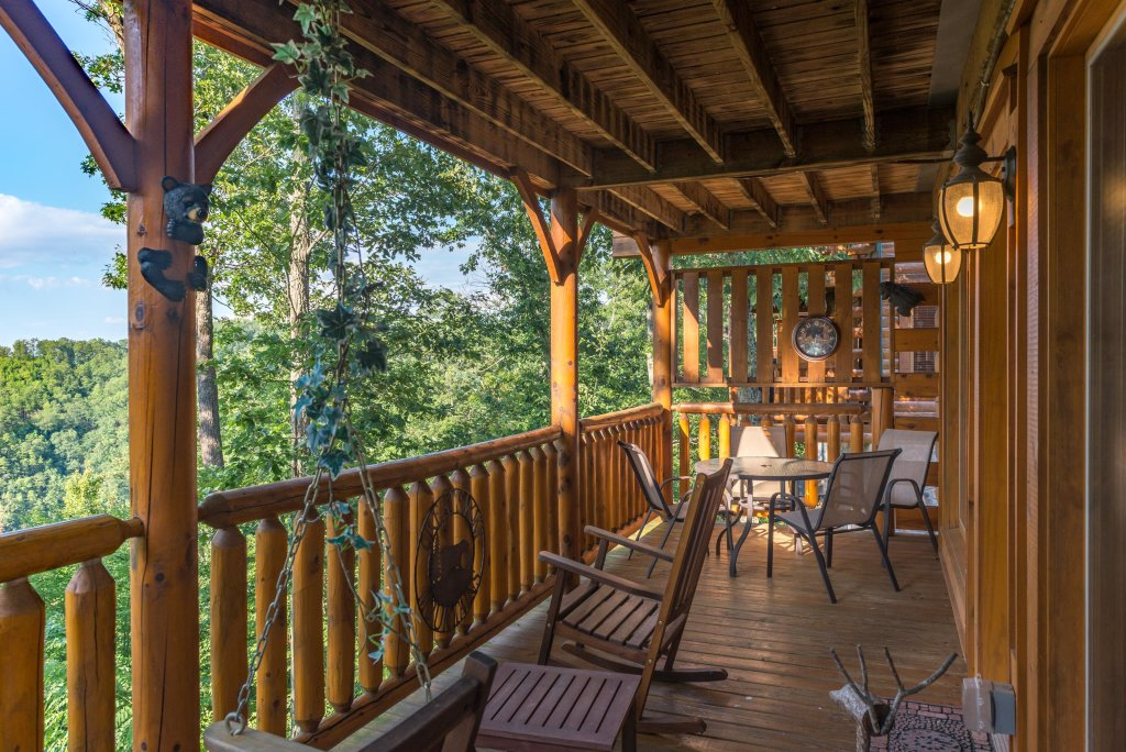 Photo of a Sevierville Cabin named Bearslide Inn Cabin - This is the thirty-second photo in the set.
