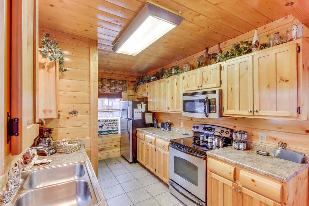 Photo of a Sevierville Cabin named Bearslide Inn Cabin - This is the twenty-second photo in the set.
