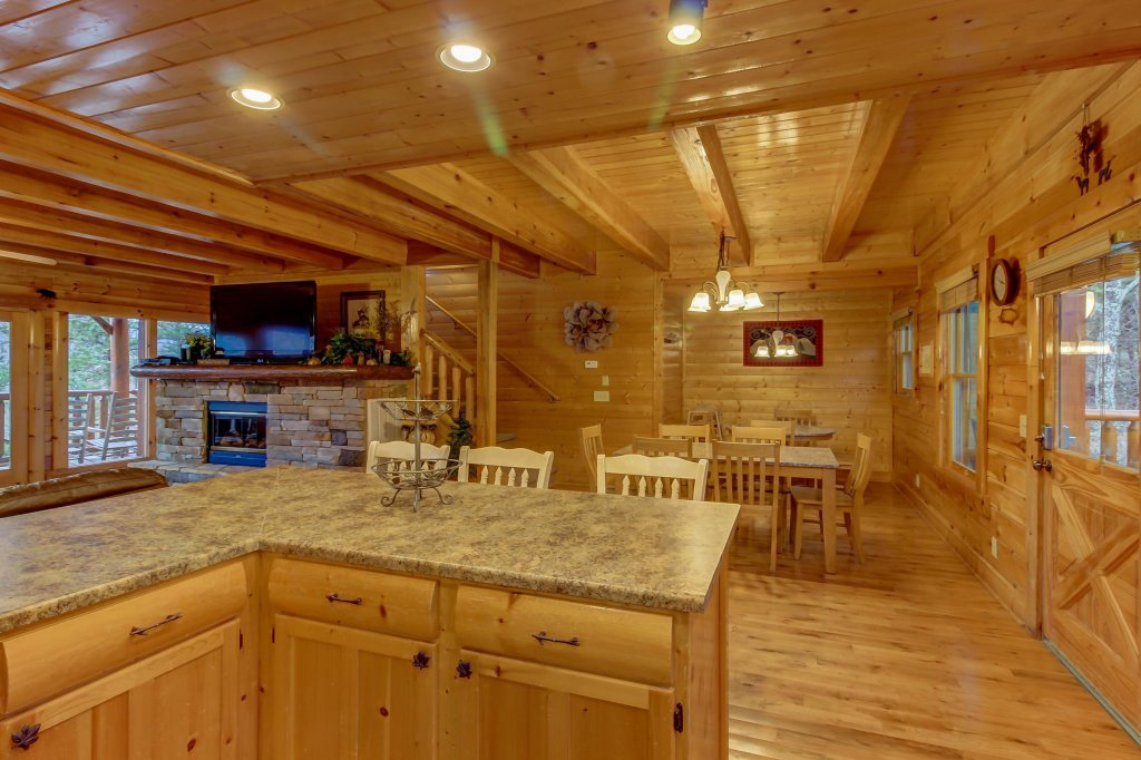 Photo of a Sevierville Cabin named Mountain Escape Cabin - This is the twenty-eighth photo in the set.