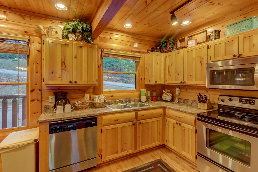 Photo of a Sevierville Cabin named Mountain Escape Cabin - This is the eighth photo in the set.