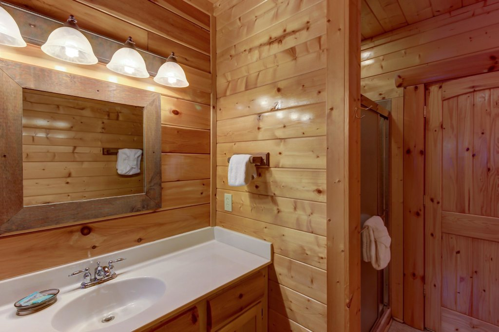 Photo of a Sevierville Cabin named Mountain Escape Cabin - This is the thirty-third photo in the set.