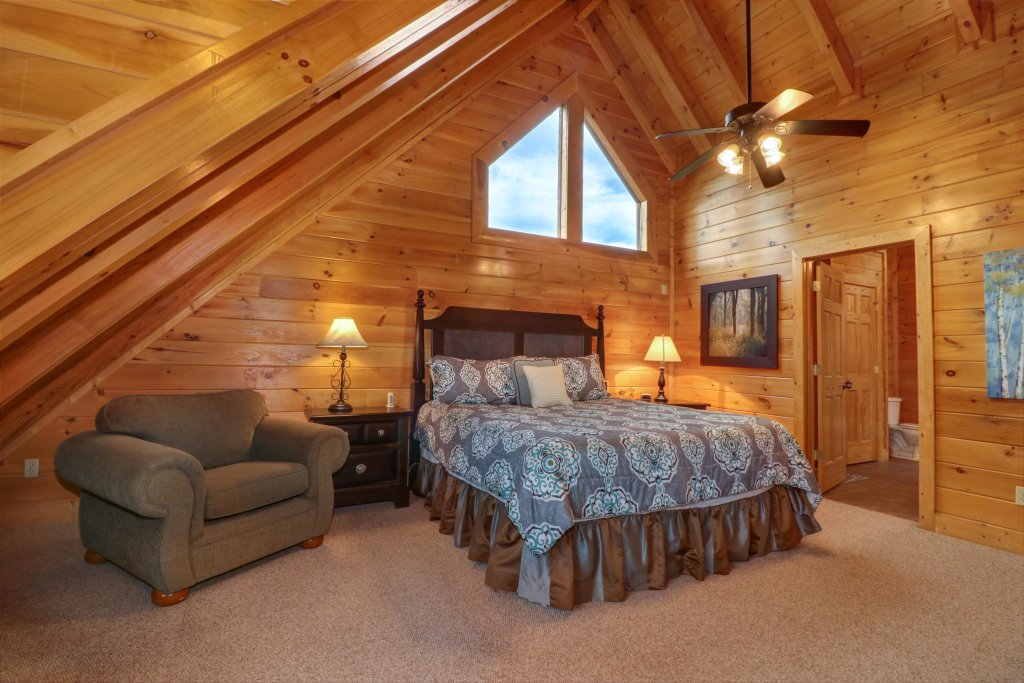 Photo of a Sevierville Cabin named Tranquility Vista - This is the twelfth photo in the set.