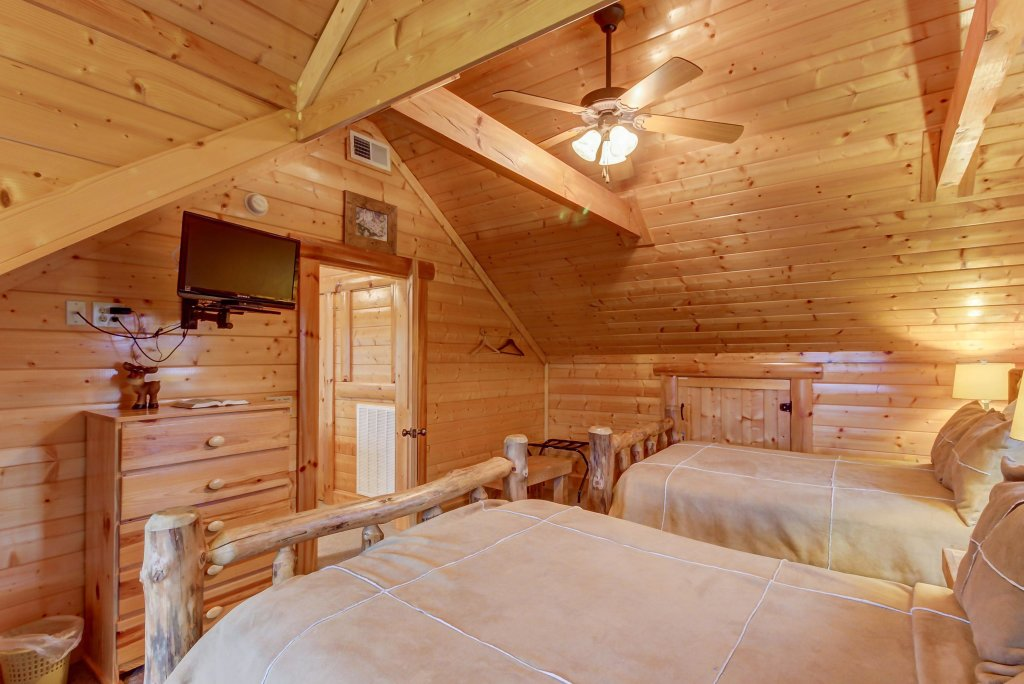 Photo of a Sevierville Cabin named Mountain Escape Cabin - This is the twentieth photo in the set.