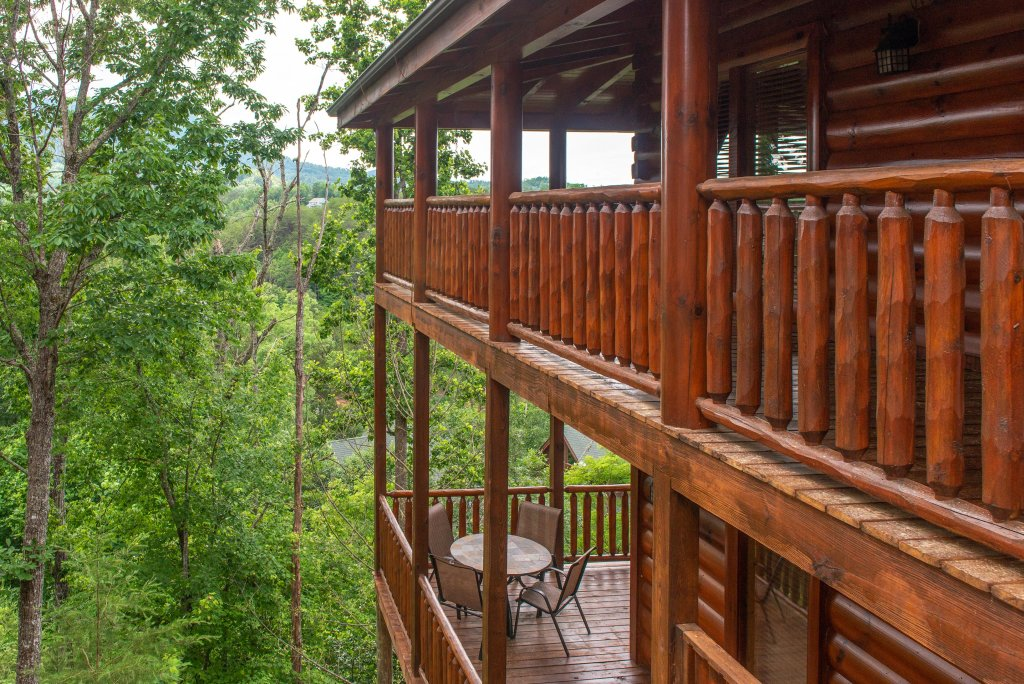 Photo of a Sevierville Cabin named Tranquility Vista - This is the third photo in the set.