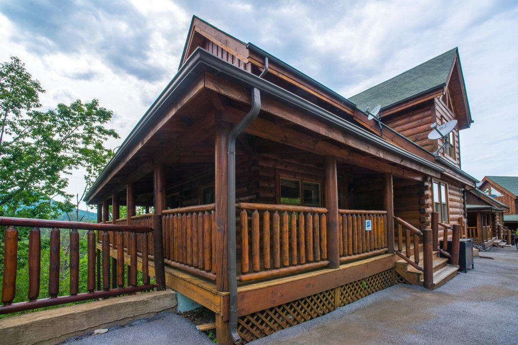 Photo of a Sevierville Cabin named Tranquility Vista - This is the forty-third photo in the set.