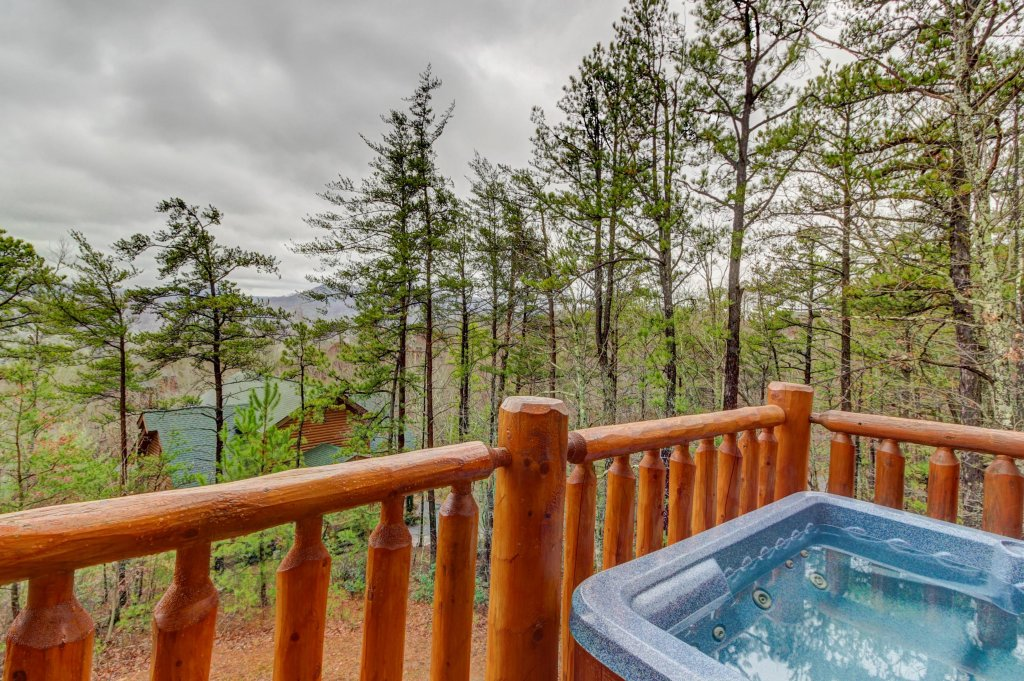 Photo of a Sevierville Cabin named Mountain Escape Cabin - This is the third photo in the set.