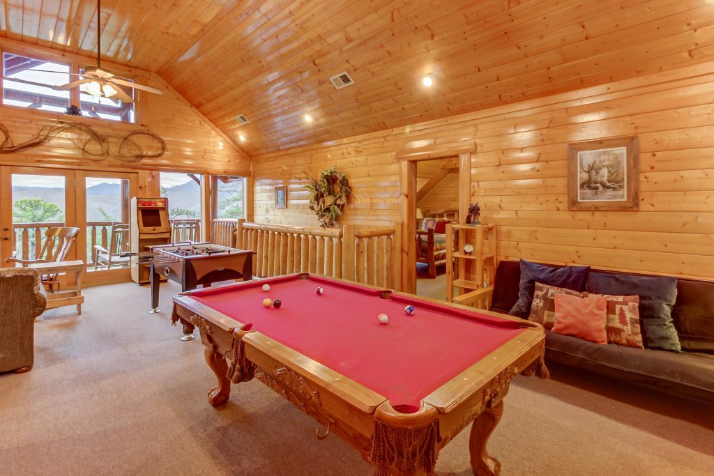 Photo of a Sevierville Cabin named Mountain Escape Cabin - This is the second photo in the set.