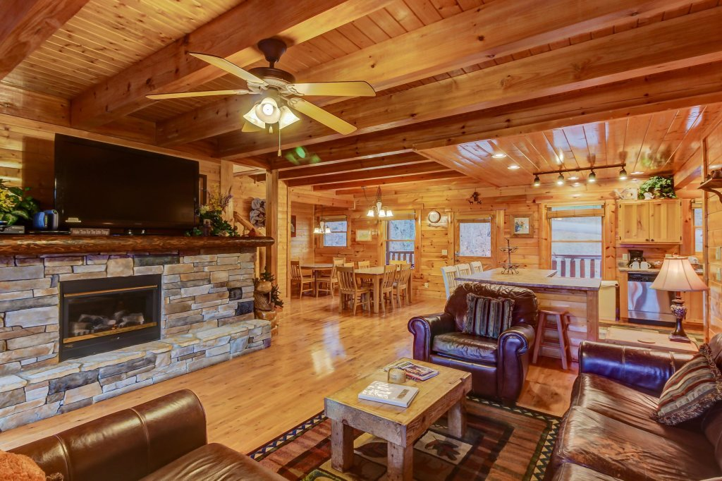 Photo of a Sevierville Cabin named Mountain Escape Cabin - This is the sixth photo in the set.