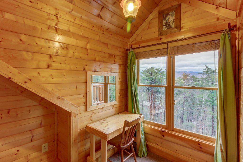 Photo of a Sevierville Cabin named Mountain Escape Cabin - This is the twenty-first photo in the set.