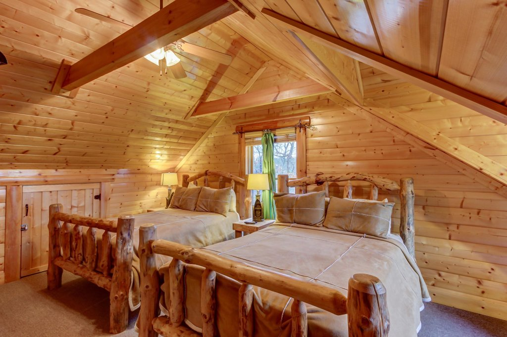 Photo of a Sevierville Cabin named Mountain Escape Cabin - This is the nineteenth photo in the set.