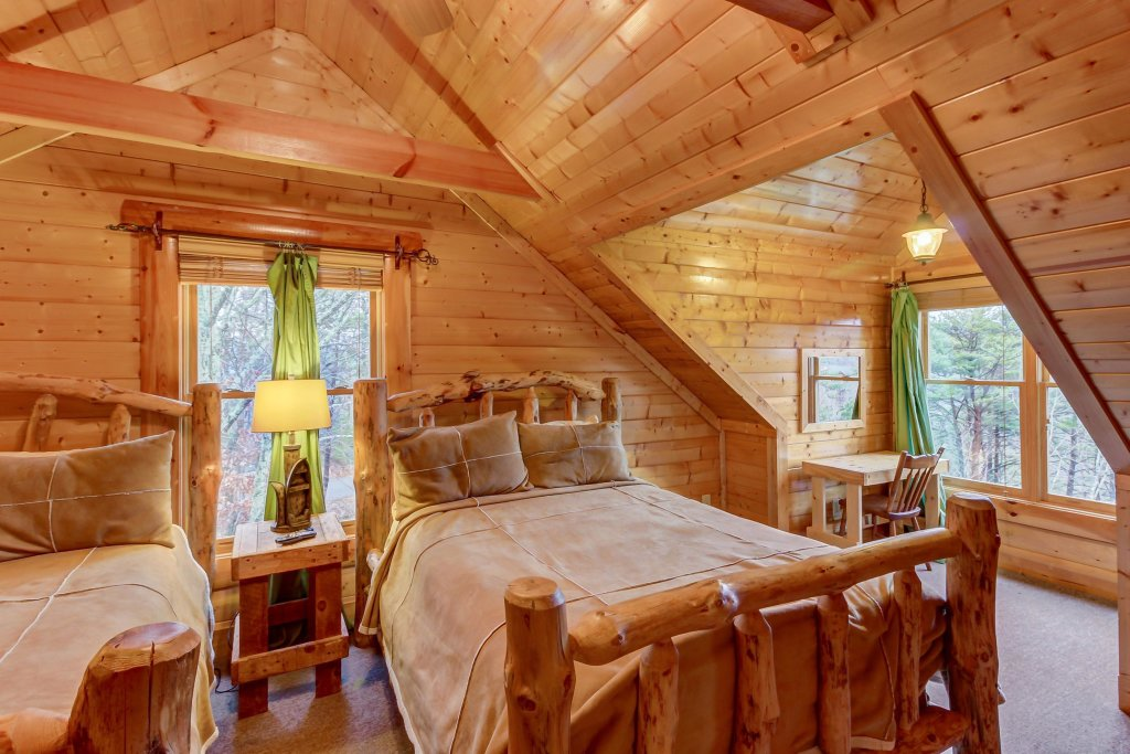 Photo of a Sevierville Cabin named Mountain Escape Cabin - This is the thirty-fifth photo in the set.