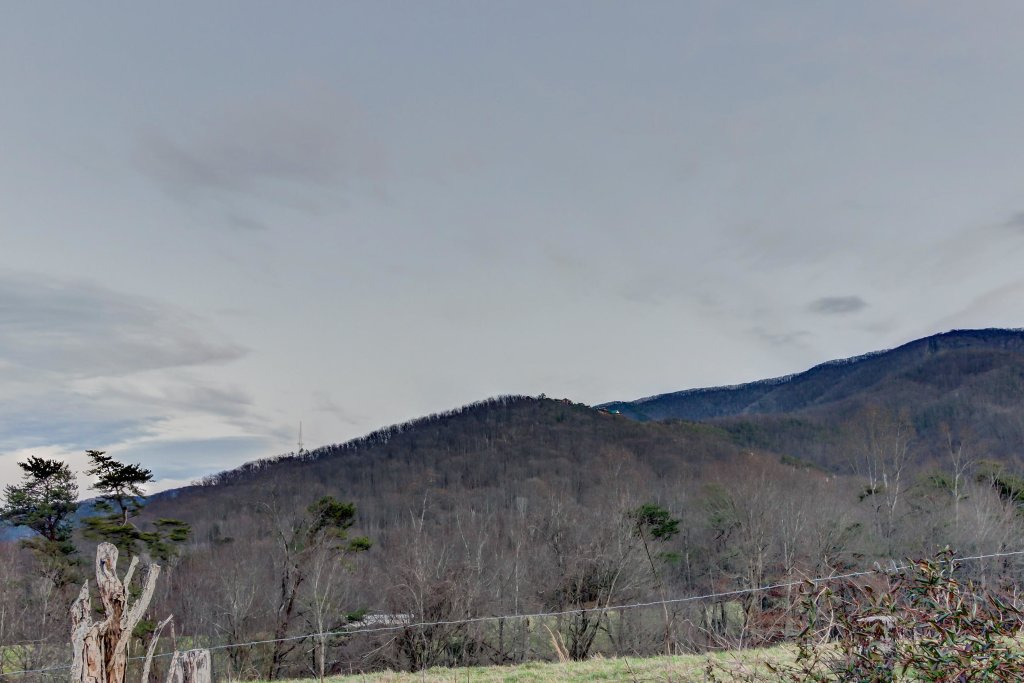 Photo of a Sevierville Cabin named Misty View Cabin - This is the thirty-fourth photo in the set.
