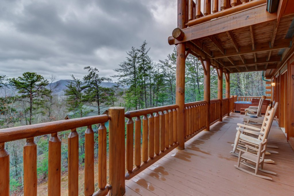 Photo of a Sevierville Cabin named Mountain Escape Cabin - This is the eleventh photo in the set.