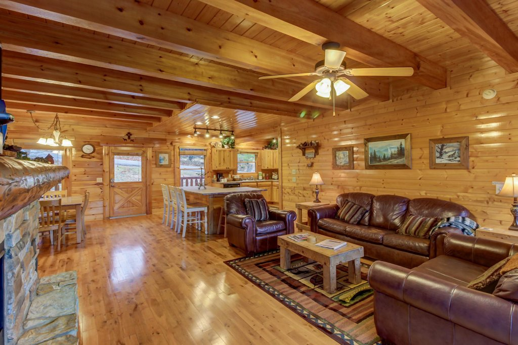 Photo of a Sevierville Cabin named Mountain Escape Cabin - This is the fourth photo in the set.