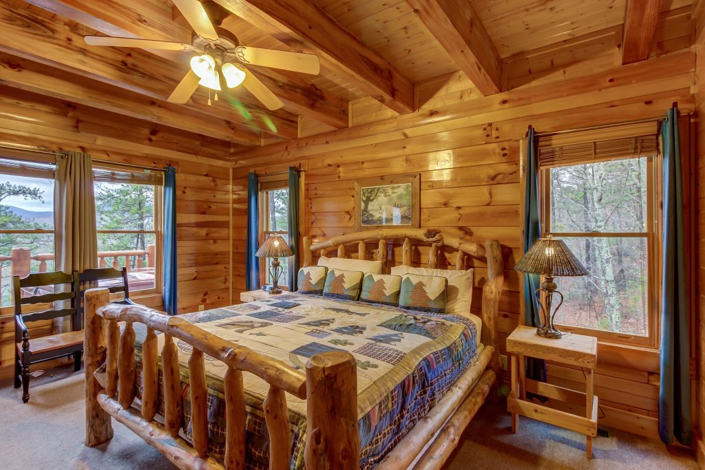 Photo of a Sevierville Cabin named Mountain Escape Cabin - This is the sixteenth photo in the set.