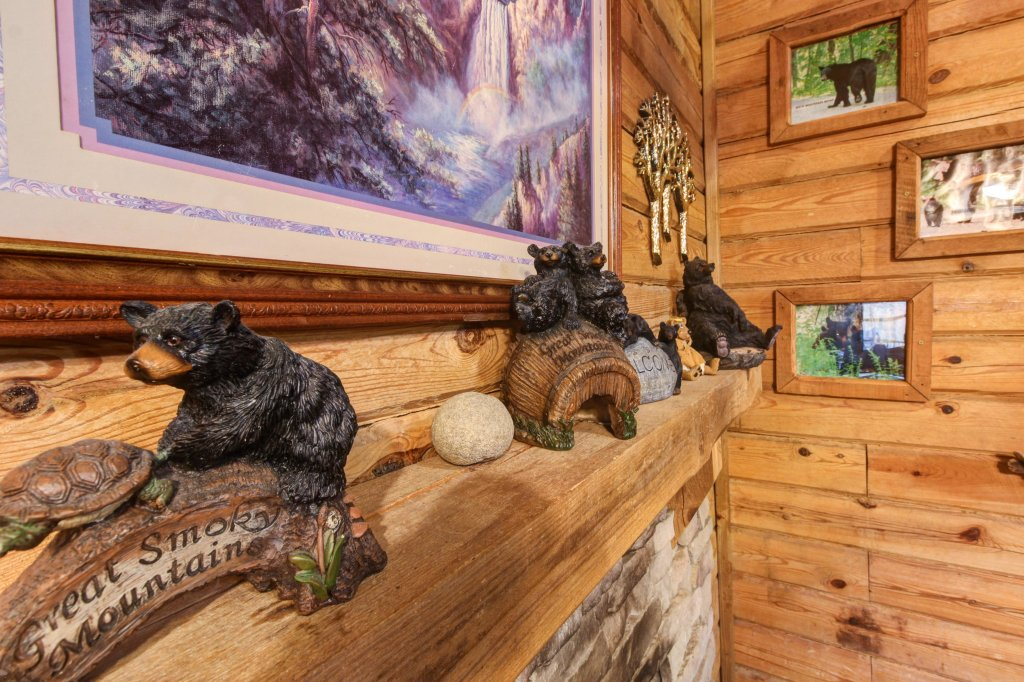 Photo of a Sevierville Cabin named Bear Haven Cabin - This is the fourteenth photo in the set.