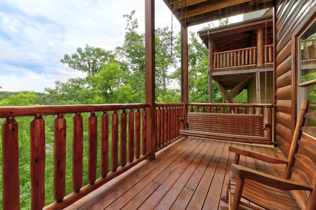Photo of a Sevierville Cabin named Tranquility Vista - This is the twenty-seventh photo in the set.