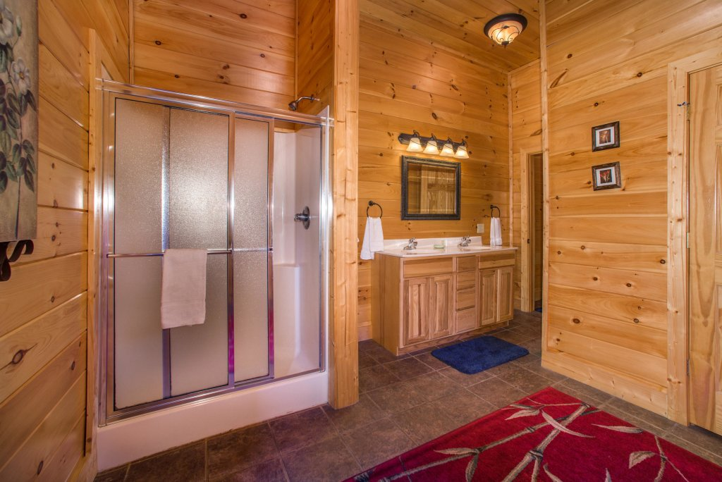 Photo of a Sevierville Cabin named Tranquility Vista - This is the thirty-ninth photo in the set.