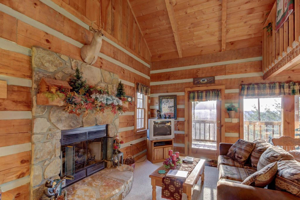 Photo of a Sevierville Cabin named Misty View Cabin - This is the first photo in the set.