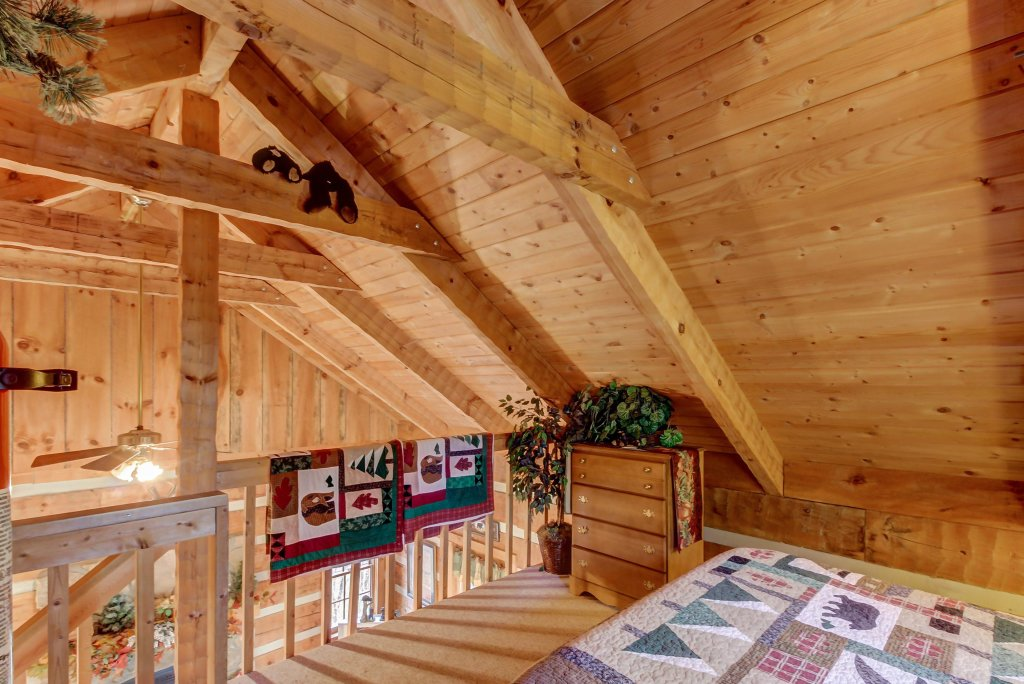 Photo of a Sevierville Cabin named Misty View Cabin - This is the fifteenth photo in the set.