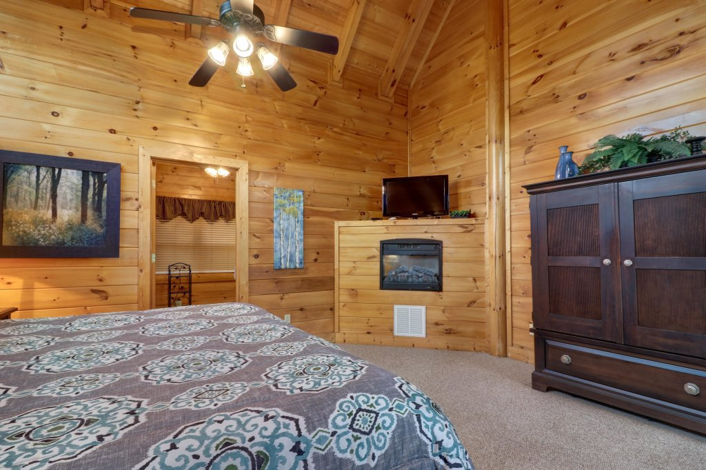 Photo of a Sevierville Cabin named Tranquility Vista - This is the thirteenth photo in the set.