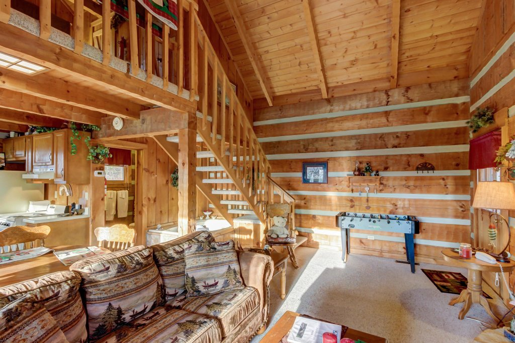 Photo of a Sevierville Cabin named Misty View Cabin - This is the eighth photo in the set.