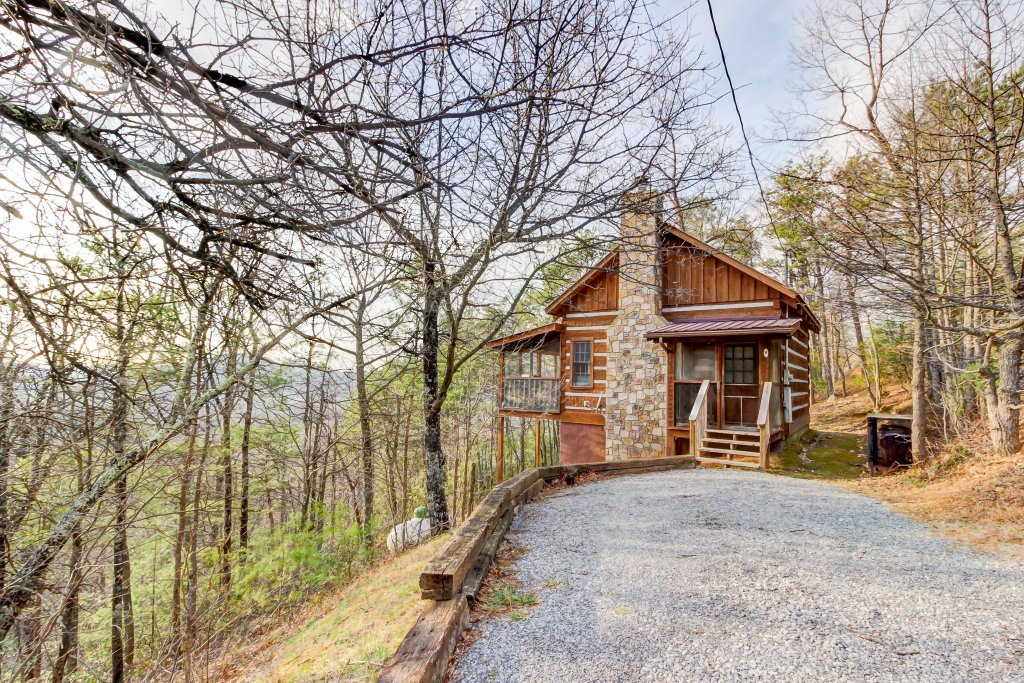 Photo of a Sevierville Cabin named Misty View Cabin - This is the twenty-seventh photo in the set.