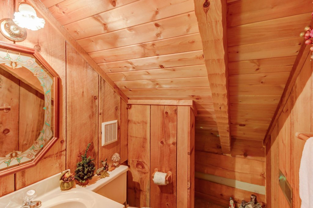 Photo of a Sevierville Cabin named Misty View Cabin - This is the twentieth photo in the set.