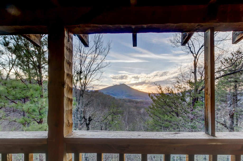 Photo of a Sevierville Cabin named Misty View Cabin - This is the twenty-first photo in the set.