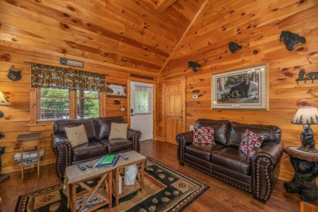 Photo of a Pigeon Forge Cabin named Southern Charm - This is the fifth photo in the set.