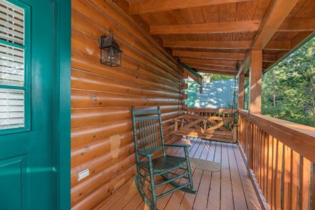 Photo of a Pigeon Forge Cabin named Southern Charm - This is the seventh photo in the set.