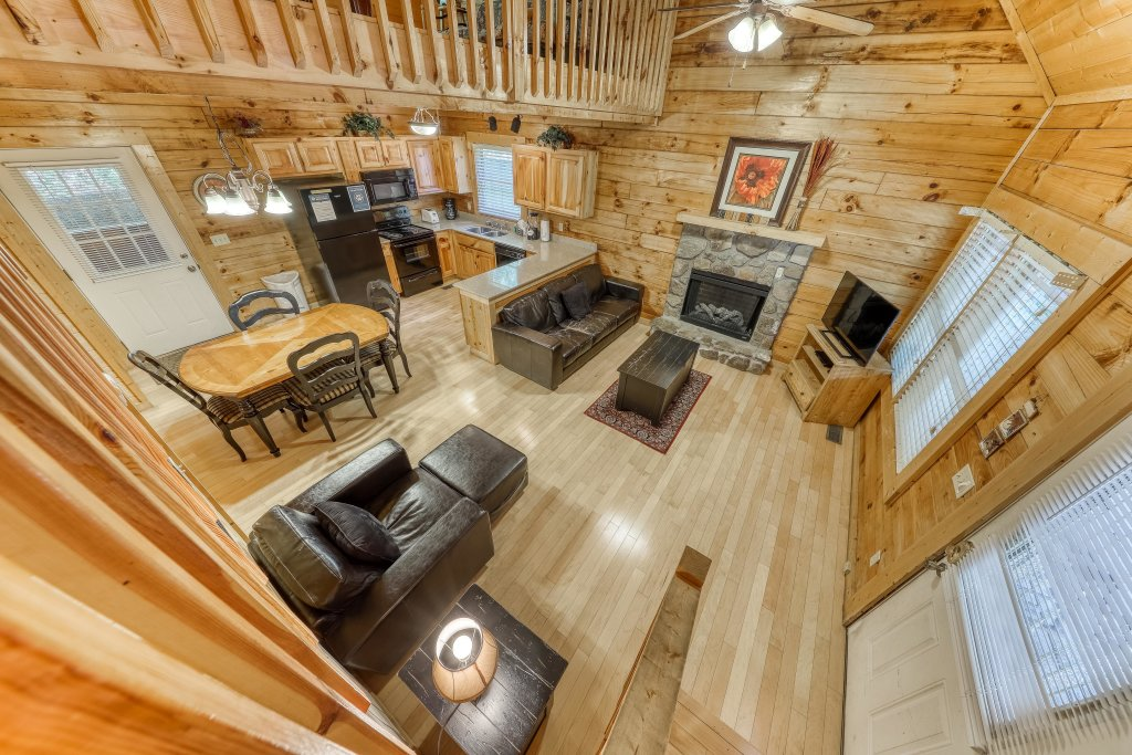 Photo of a Pigeon Forge Cabin named Arrowhead Log Cabin Resort: A Barefoot Landing Cabin - This is the thirteenth photo in the set.