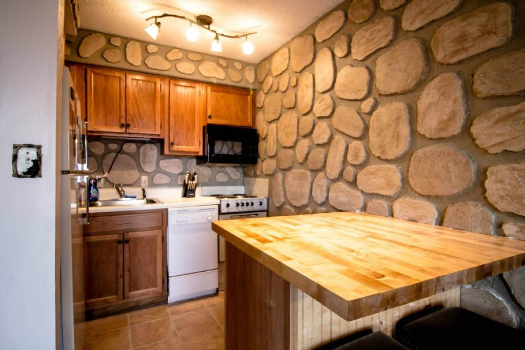 Photo of a Gatlinburg Cabin named Ez~days Mountain View Condo At The Summit - This is the tenth photo in the set.