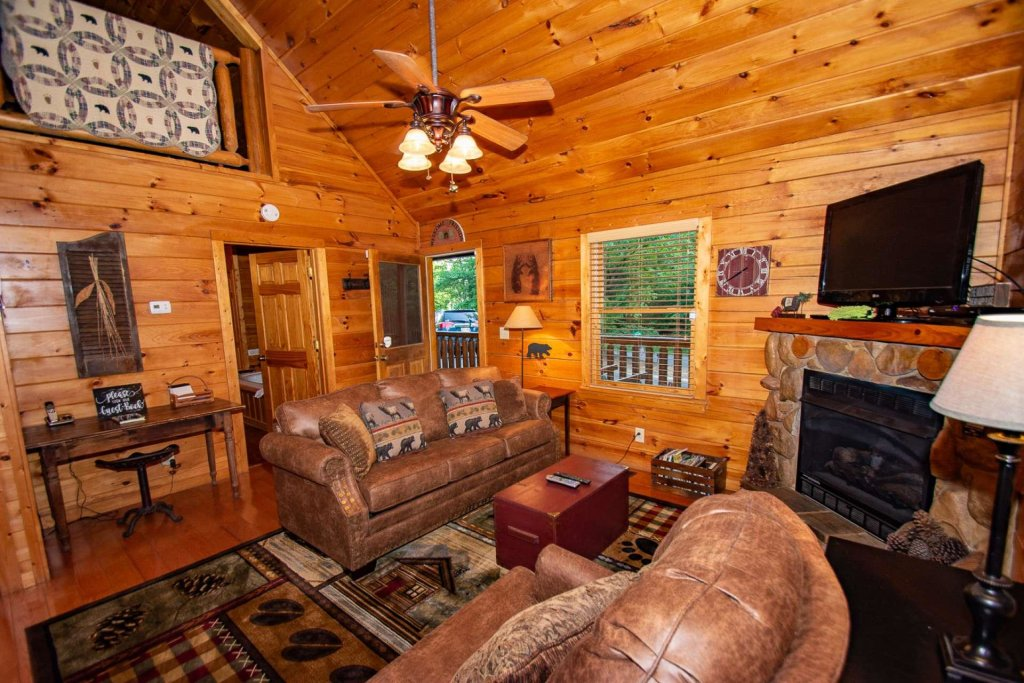 Photo of a Gatlinburg Cabin named Too Cozy - This is the nineteenth photo in the set.
