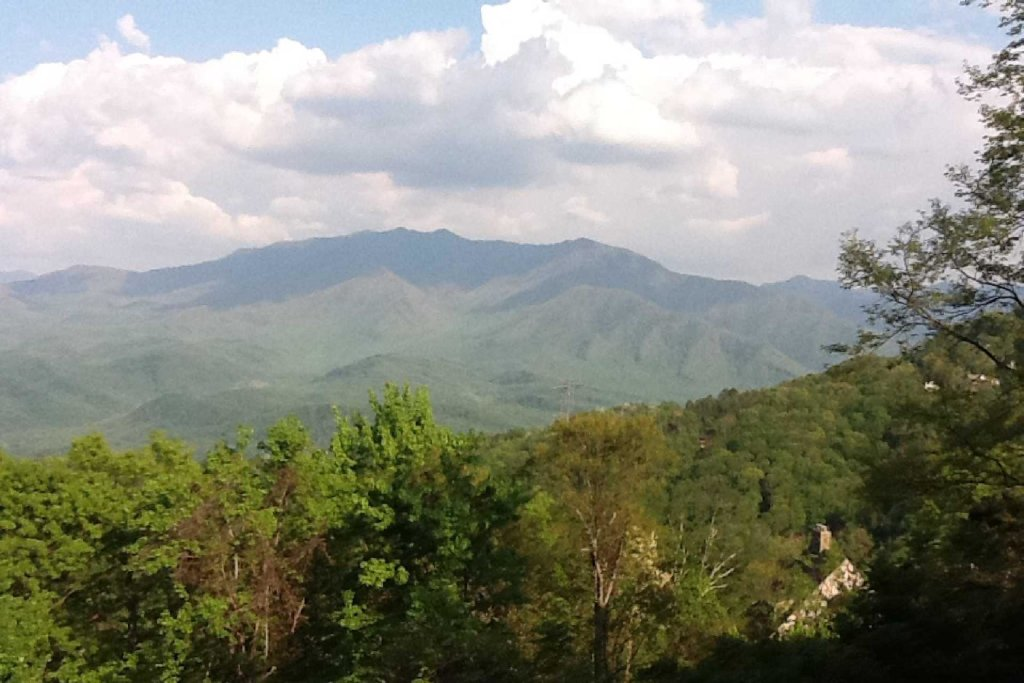 Photo of a Gatlinburg Cabin named Ez~days Mountain View Condo At The Summit - This is the nineteenth photo in the set.